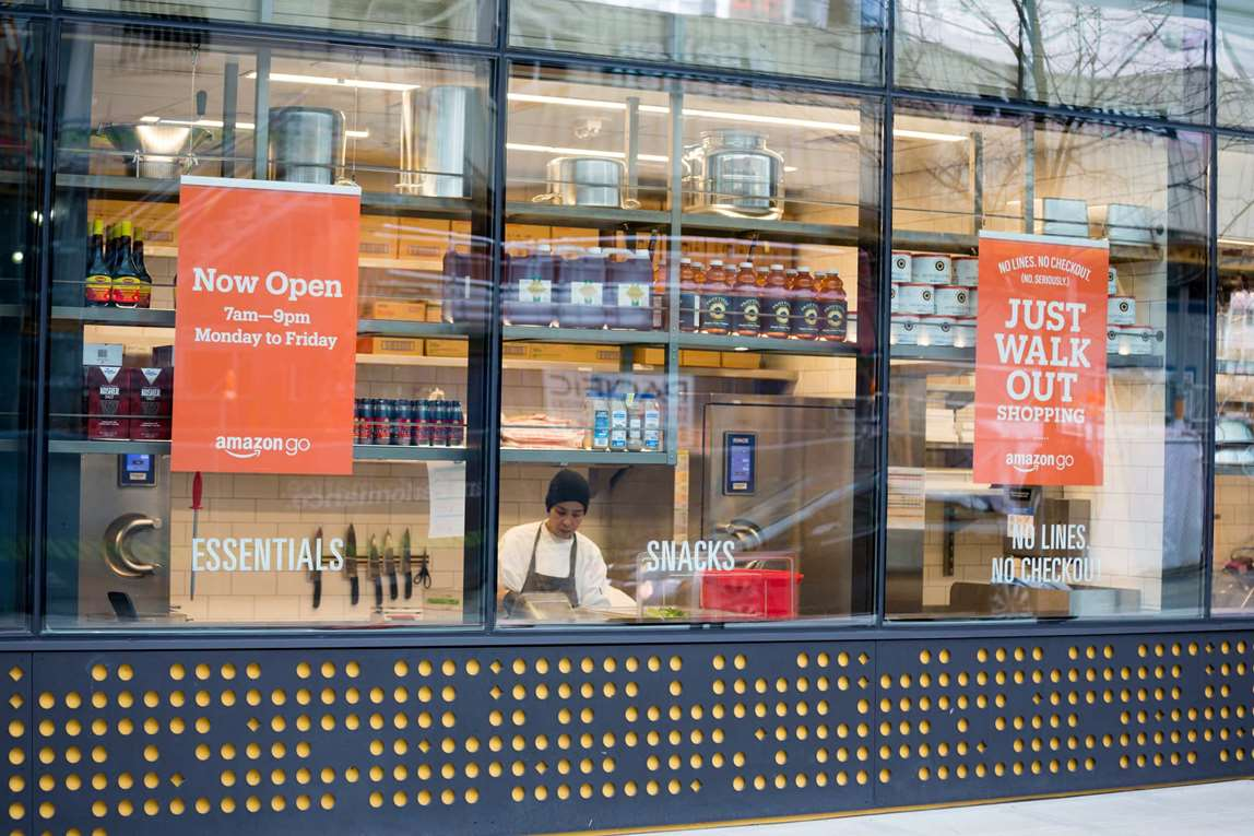 Amazon Go store from the outside. Photo.